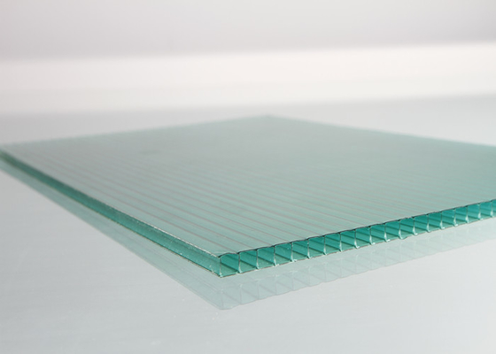 China Green Polycarbonate Roofing Sheets With High Impact Strength Customize Size factory